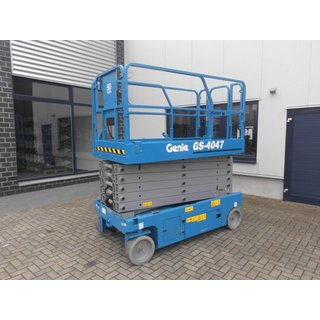 Genie GS4047 Scissor Lift - Electric